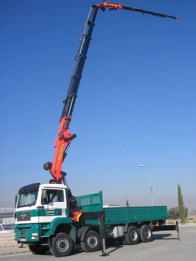 camion grua pk 80 tn